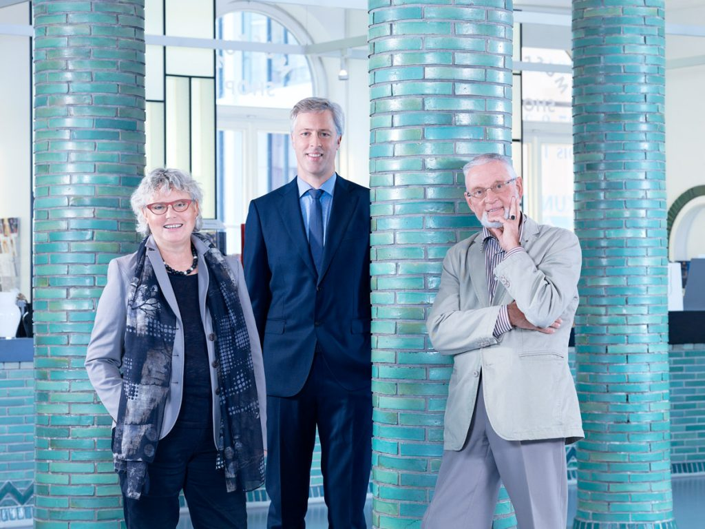 Ursula Ullrich-Köhler, Dr. Carsten Küpper und Hermann Blümer aus dem Vorstand des Förderkreises