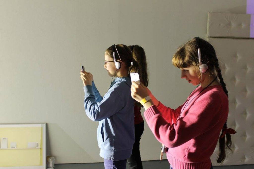 Jugendliche der Young Art Experts-AG